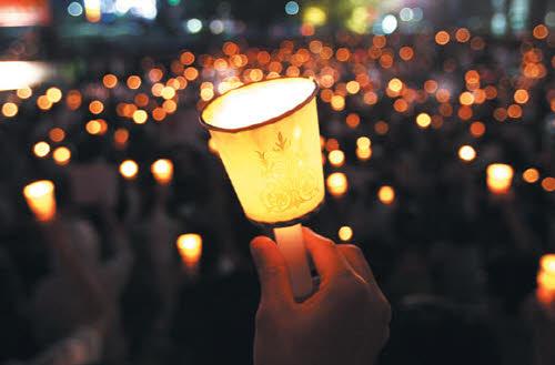 올바른 정치 촛불시위.jpg